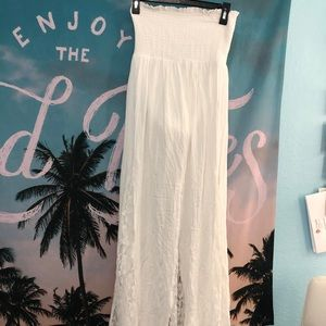 White sleeve less dress size XS